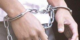 Radican cargos a un hombres tras supuestamente apuñalar a su madre