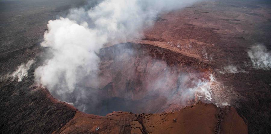 Vista aérea del volcán Kilauea en Hawaii (horizontal-x3)