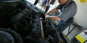 Industria de autos urge extender horarios de talleres de mecánica