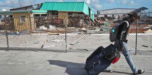 Desolación e incertidumbre arropa a Bahamas