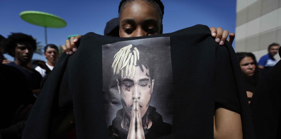 Centenares de personas acudieron el pasado miércoles, 27 de junio, a rendir tributo y dar su último adiós al rapero en Sunrise. (horizontal-x3)