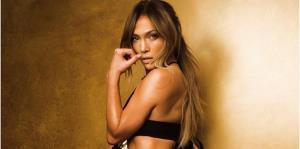 """Demandan a Jennifer López por vestir """"transparente"""" durante un concierto en Egipto"""