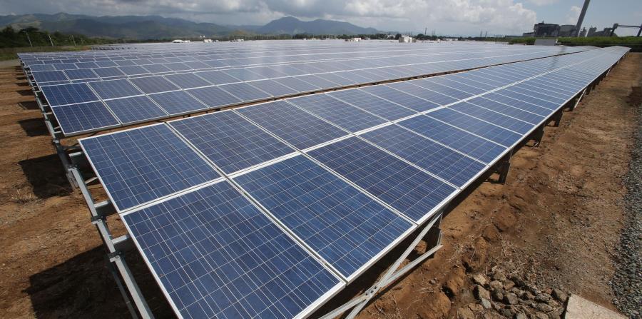 De los cuatro parques solares propuestos, tres son de los contratos de energía renovable que se concedieron durante el gobierno de   Luis Fortuño. (GFR Media) (horizontal-x3)