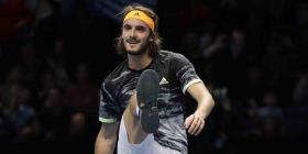 Stefanos Tsitsipas vence a Roger Federer y pasa a la final del Masters de la ATP