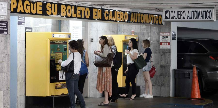 La Alcaldía de San Juan vendió este estacionamiento  por $11.5 millones a la firma Muñoz Bermúdez, S.E., tras un proceso de subasta que se adjudicó en noviembre de 2016 y se finiquitó en enero de 2017. (horizontal-x3)