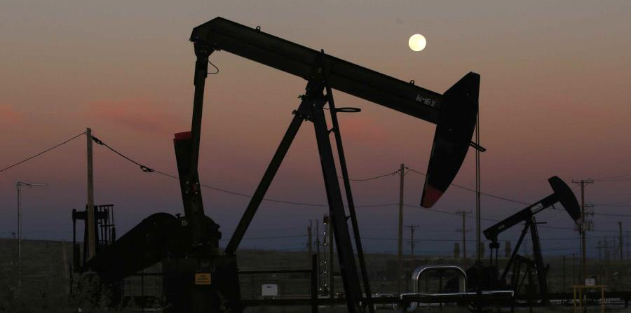 Pozos de extracción petrolera cerca de McKittrick, California, el 8 de junio del 2017. (horizontal-x3)