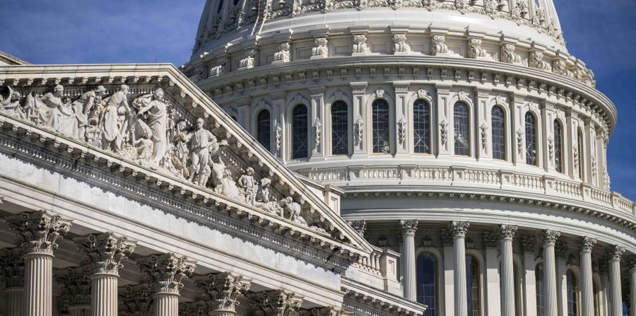 En el mes de julio, muchas veces, el gobierno de Estados Unidos tiene un superávit. (horizontal-x3)