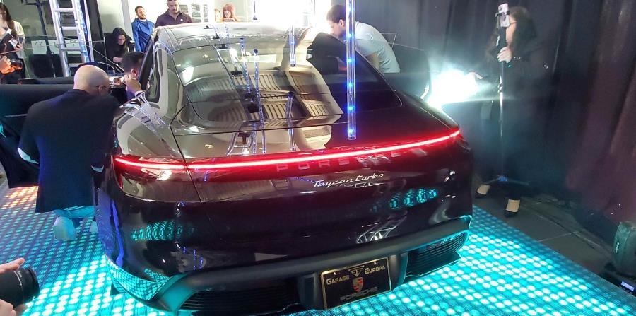 Según Porsche, este es el vehículo más deportivo en su segmento. (Francisco Javier Díaz)