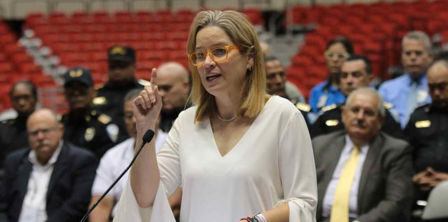 Carmen Yulín Cruz durante la conferencia de prensa en la que anunció el nombramiento de José Caldero como jefe de la Policía Municipal de San Juan el pasado 18 de junio. (GFR Media) (horizontal-x3)