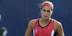 Mónica Puig avanza a cuartos de final en Estrasburgo