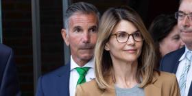 Suman otro cargo federal  a la actriz Lori Loughlin y su esposo