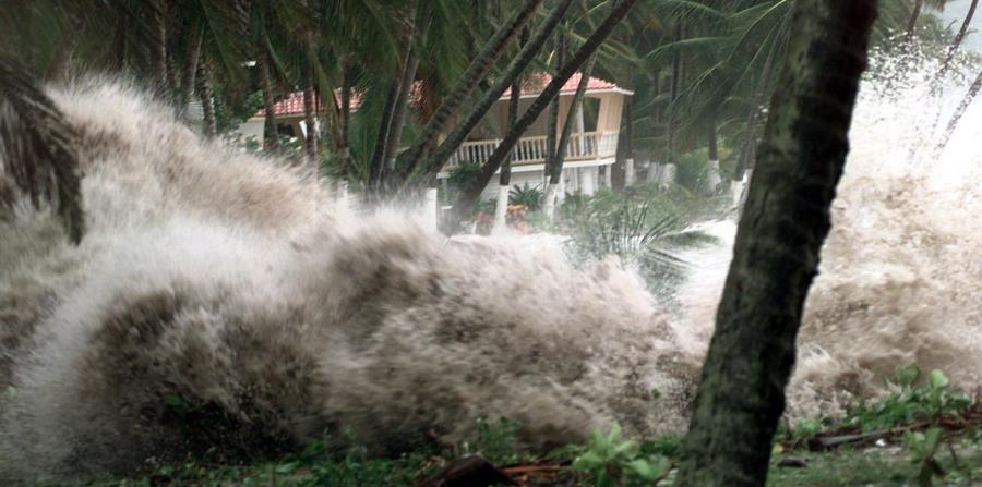 Imagen del impacto de huracán Geroges a la costa de Maunabo. (horizontal-x3)