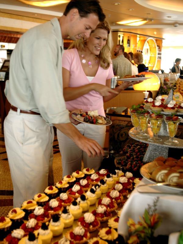 En los cruceros de Disney se ofrece un menú internacional y abundante, que incluye productos italianos de primera calidad haciendo honor a la temática y al menú  del restaurante Palo.