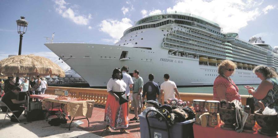 Los agentes de viaje fueron llevados a diversos puntos turísticos de la isla (horizontal-x3)