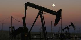Reportan otra alza en el petróleo estadounidense