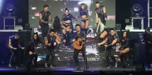Luis Fonsi enciende el Choliseo con su Love+Dance World Tour