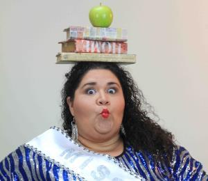 """Janibeth Santiago coquetea con el """"stand up comedy"""""""