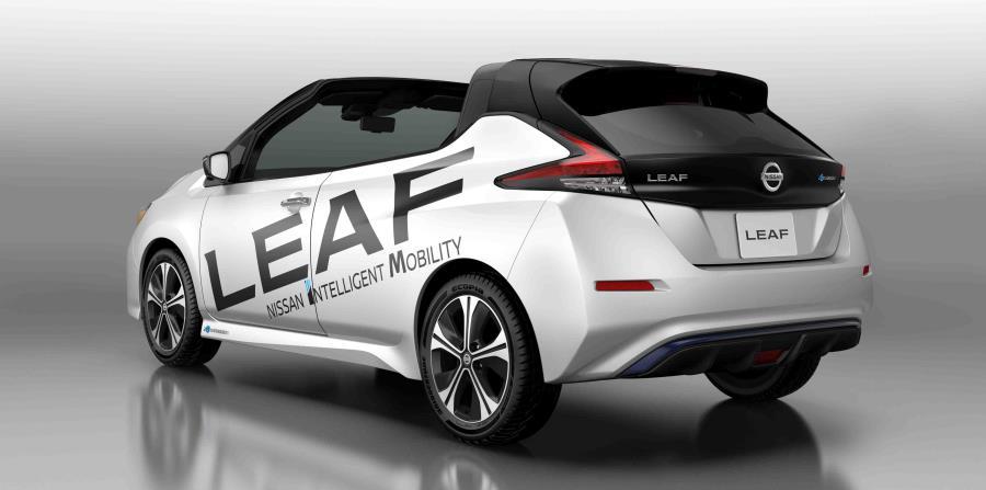 Nissan develó la versión descapotable del nuevo Nissan LEAF en Tokio.