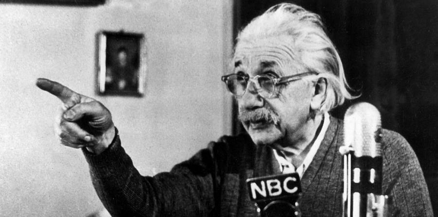 En 1922 cuando Einstein se embarcó en un viaje de cinco meses y medio al Lejano Oriente y Medio Oriente. (horizontal-x3)