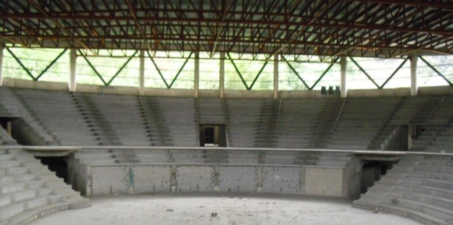 Despilfarro De Fondos P Blicos Para Construir Coliseo En