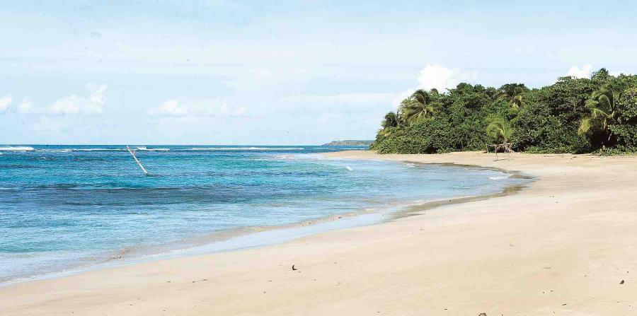 playa san miguel, luquillo (horizontal-x3)