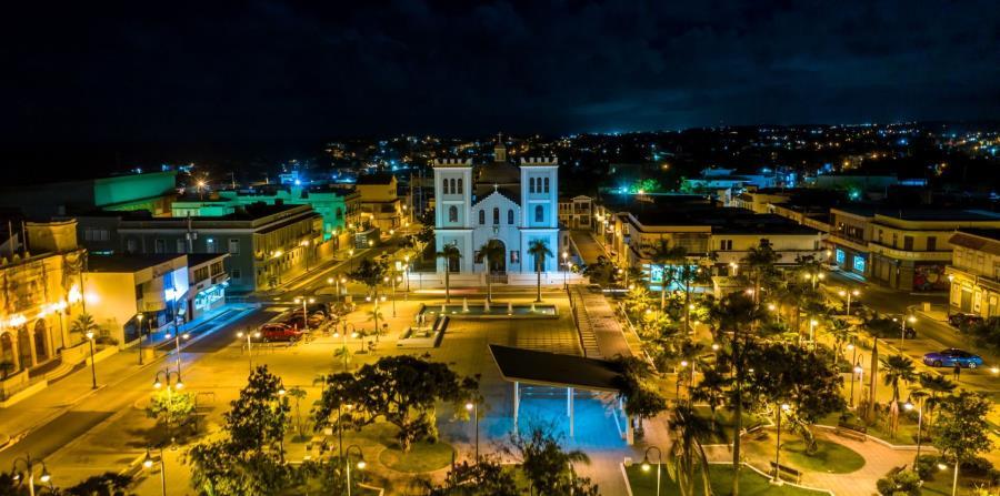 Iglesia Católica San Antonio de Padua y Plaza Manuel Corchado y Juarbe.(Suministrada/@aerosolutionspr)