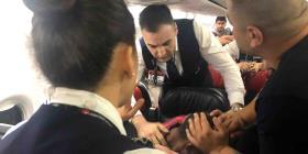 Pasajeros someten a un hombre alterado durante vuelo a Sudán