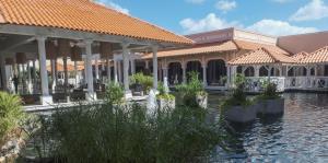 Coco Beach regresa al ruedo hotelero con miras a convertirse en un Hyatt Regency