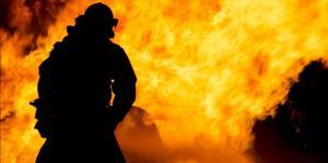 Se incendia un camión de compañía subcontratada por FEMA en Arecibo