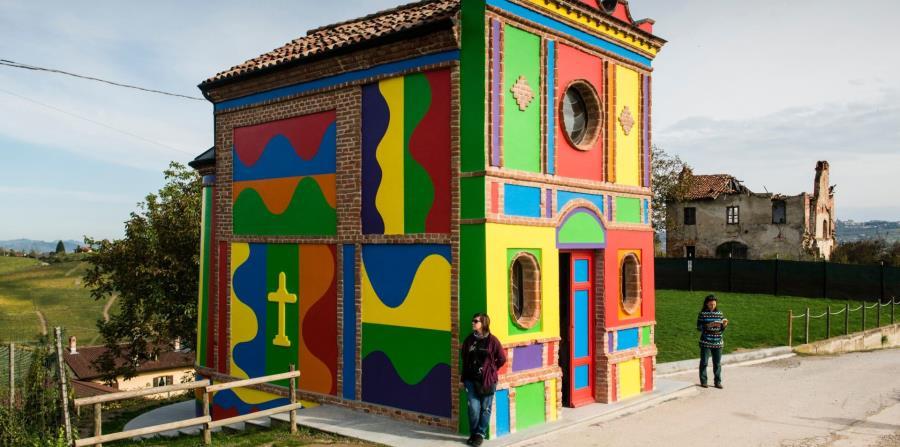 La Capilla de Barolo también es conocida como la Capilla de Sol LeWitt y David Tremlett, en homenaje a los artistas que transformaron lo que antes era un refugio de ladrillo de una sola habitación en una instalación de arte. (The New York Times)
