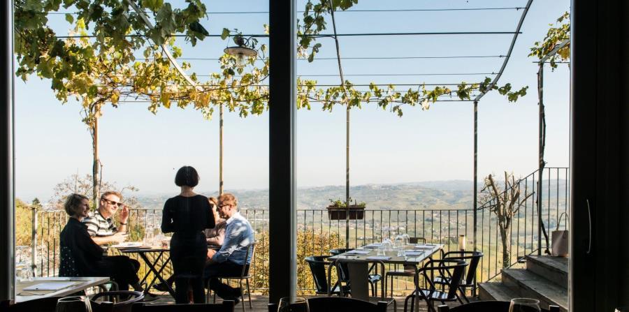 Los menús innovadores de Locanda Fontanazza, al borde de La Morra, evolucionan con las estaciones. (The New York Times)