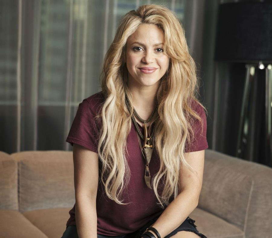 Shakira (semisquare-x3)