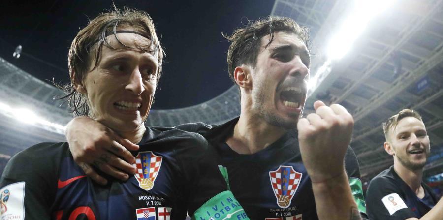 Luka Modric (izquierda) e Ivan Rakitic (derecha) lideran la escuadra de Croacia. (AP) (horizontal-x3)