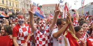 Miles de aficionados reciben a la selección croata en Zagreb
