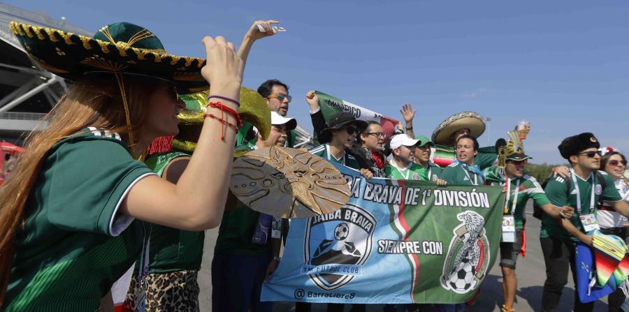 Los sombreros de mariachi más comunes entre los fanáticos son de color  negro y tienen tejidos 4c5079b5bcb