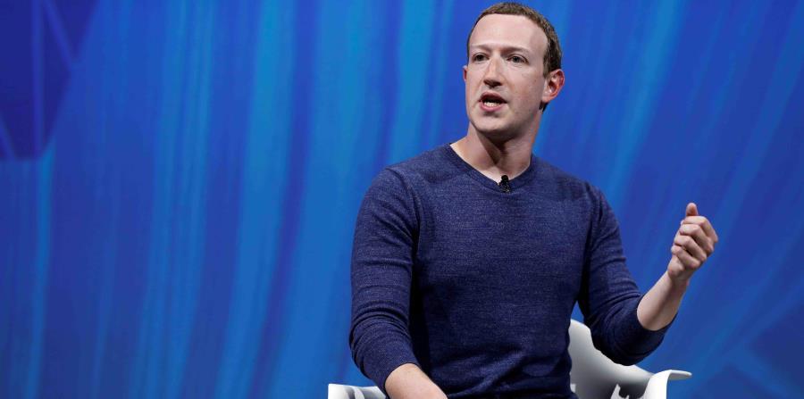 El fundador de Facebook, Mark Zuckerberg, pronuncia su discurso durante la Convención VivaTech 2018 en París, Francia, el pasado 24 de mayo de 2018. (EFE) (horizontal-x3)