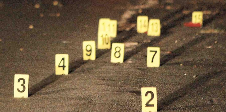 La División de Homicidios de Arecibo investiga el crimen. (horizontal-x3)