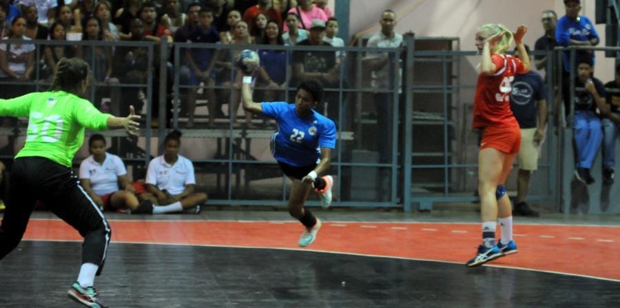Puerto Rico se lleva la medalla de oro en el balonmano femenino (horizontal-x3)