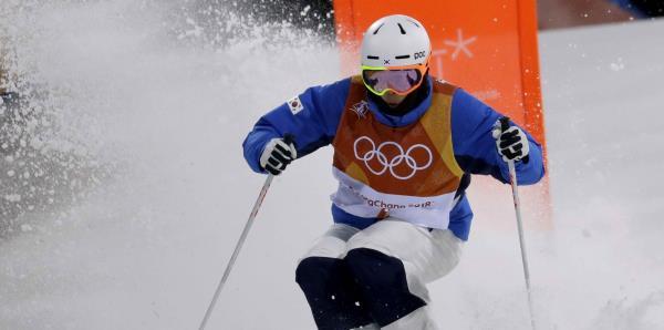 Corea del Sur veta a dos esquiadores de por vida por acoso