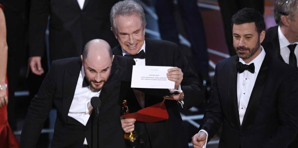 Anuncian nuevas reglas para evitar errores en la ceremonia de los Oscar