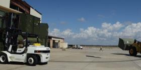 Un tornado impacta una base aérea en Florida