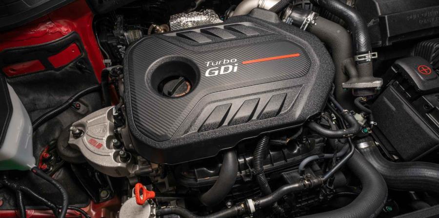 Motor 2.0 litros turbo, que produce 235 caballos de fuerza.