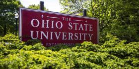 Un médico universitario en Ohio abusó de al menos 177 estudiantes