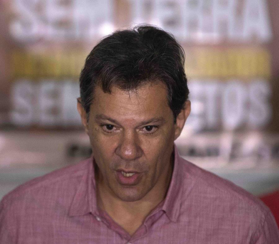 El candidato a la Presidencia de Brasil por el Partido de los Trabajadores (PT), Fernando Haddad, (semisquare-x3)