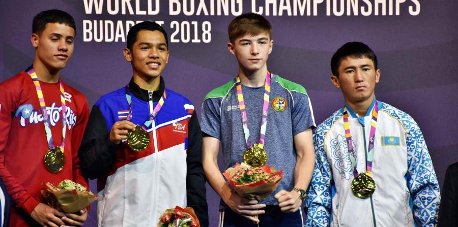 Jan Paul Rivera, a la extrema izquierda, con la medalla de plata. (Suministrada) (horizontal-x3)