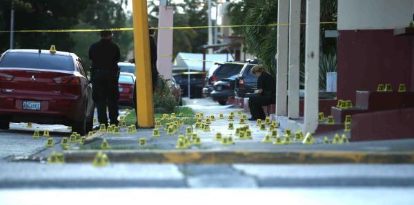 La extensa escena de la masacre que dejó seis muertos en Río Piedras