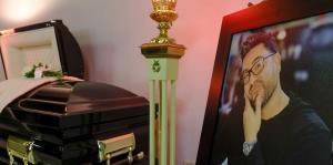"""En fotos: familiares y personalidades le dan el último adiós a Abdiel """"The Loverboy"""""""