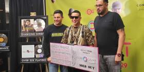 """Premian a Daddy Yankee previo a su concierto """"Con calma pa'l Choli"""""""