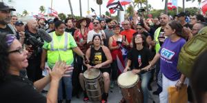 """Miles de personas llegan hasta la llamada """"calle de la Resistencia"""""""
