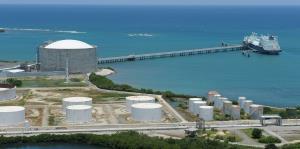 Trump considera dispensa en normas de cabotaje que aplicaría al transporte de gas natural a la isla